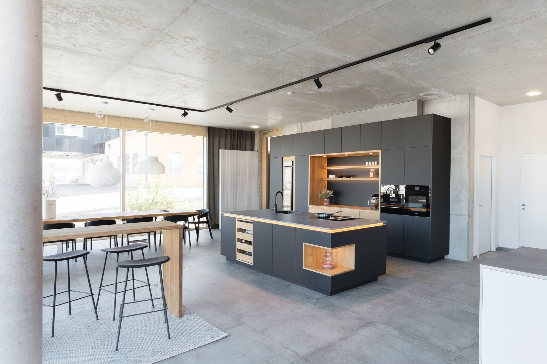 Küche in hochwertiger Schreinerqualität mit modernem Design – nachhaltig und fair