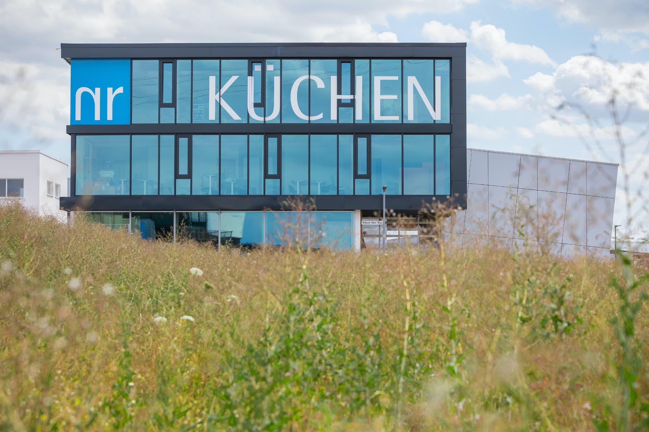 Showroom und Produktion in Schwäbisch Hall: hier arbeitet das NR Küchen Team.